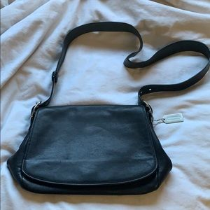 COACH VINTAGE BLACK LEATHER FLAP CROSSBODY (9332)